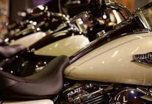 motorcycle-1399070_1920